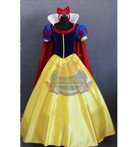 Deluxe Snow White with Cape