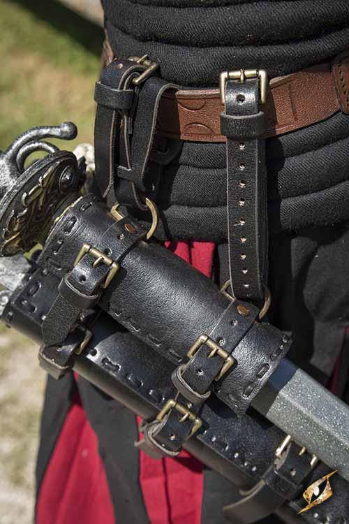 Epic Armoury Double Hanger Black